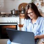 Andrang im Möbelhaus vermeiden und online Deko-Ideen entdecken