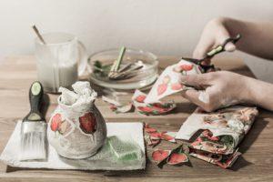 Vasen verschönern und kreativ dekorieren